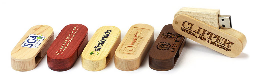 Wooden Swivel USB Stick bedruckt oder graviert mit Ihrem Logo