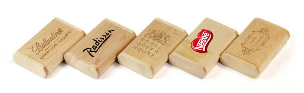 Wooden Flip Box bedruckt oder graviert mit Ihrem Logo